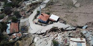 """İzmir'de heyelan olan mahalle """"afete maruz bölge"""" ilan edildi"""