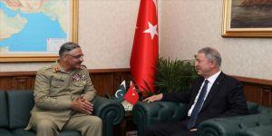 Akar, Pakistan Genelkurmay Başkanı'nı kabul etti