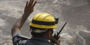 Hindistan'da çöken binada ölü sayısı 14'e çıktı