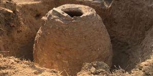 Çiftçinin pulluğuna takılan 250 yıllık 'gıda ambarı' koruma altında