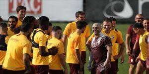 Galatasaray'da Brezilya usulü doğum günü kutlaması