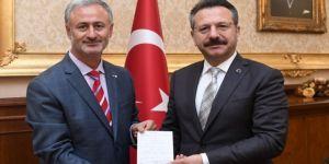 Vali Aksoy, kurban bağışında bulundu