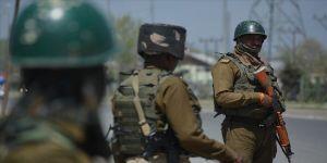 Hindistan'ın Cammu Keşmir'deki sıkı tedbirleri sürüyor