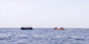 Akdeniz'de STK'lerin düzensiz göçmen kurtarma mesaisi