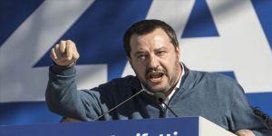 Salvini'den göçmen taşıyan STK'lere geçit yok