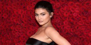Kylie Jenner, Türk tasarımı elbise tercih etti