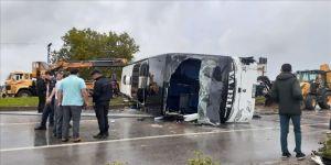 Çanakkale'de yolcu otobüsü devrildi