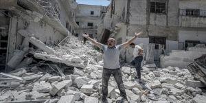 İdlib'e yoğun hava saldırıları sürüyor: 6 ölü