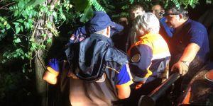 5 kişinin bulunduğu araç baraja devrildi