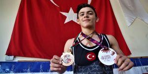 Dünya üçüncüsü milli güreşçi umut vadediyor