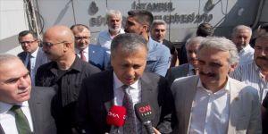İstanbul Valisi Yerlikaya, Eminönü alt geçidinde incelemede bulundu