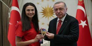 Erdoğan, milli sporcu Yaman'ı kabul etti