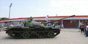 Kızılyıldız'ın stadı önüne 'tank' yerleştirildi