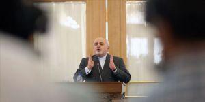 İran'da Zarif'in Fransa diplomasisiyle ilgili görüşler farklı