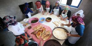 Kardeşler köyünün kadınları fırını 'kardeşlik' için yakıyor