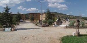 Kerpiç evleriyle büyüleyen 'sanatçı köyü'ne ilgi artıyor