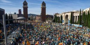 Katalonya'da 'bağımsızlıktan vazgeçmedik' gösterisi