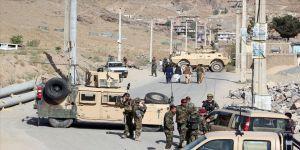 Karakola bomba yüklü araçla saldırı: 4 ölü