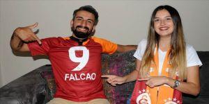 Galatasaray forması giyen damada Falcao'dan mesaj