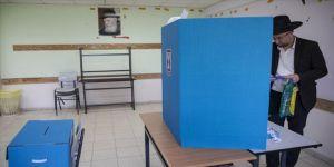 İsrail'de kritik seçim için seçmenler sandık başında