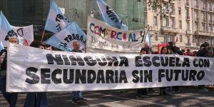 Arjantin'de öğretmenler ölen meslektaşları için greve gitti