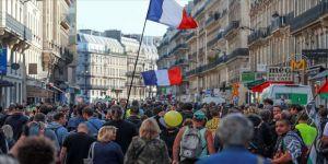 Fransa'da sarı yelekliler gösterilerin 45. haftasında sokaklarda