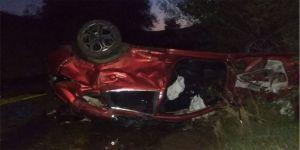 Sivas'ta otomobil devrildi: 3 ölü, 5 yaralı