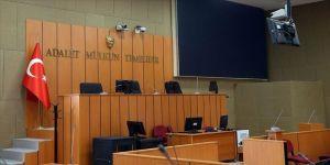 Mahkeme salonunda çekilen görüntülere inceleme