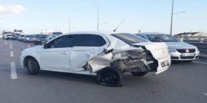 Gebze'de 2 araç kaza yaptı :2 Yaralı