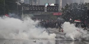 Endonezya'da hükümet karşıtı gösteriler sürüyor