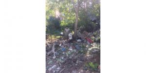 Vatandaşların İhbarı Üzerine Darıca'da ki Çöp Ev Temizlendi