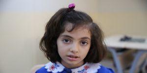 Suriye'deki iç savaşın yetim bıraktığı kız çocukları