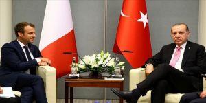 Cumhurbaşkanı Erdoğan, Macron ile Barış Pınarı Harekatı'nı görüştü