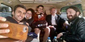 Kılıçdaroğlu otostop çeken öğrencileri kampüse bıraktı