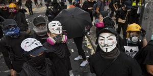 Hong Kong'da protestolara yol açan yasa tasarısı geri çeçildi
