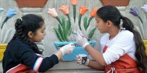 Ağrılı çocuklar sanatla kötü alışkanlıklardan uzaklaşıyor