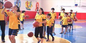 'Geleceğe Smaç' projesiyle 3 bin çocuk voleybolla buluşacak
