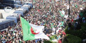 Cezayir bağımsızlık mücadelesinin 65'inci yılında Fransa'dan özür bekliyor