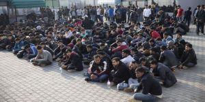 Düzensiz göçmenler Yunanistan'da yaşadıkları zorlukları anlattı