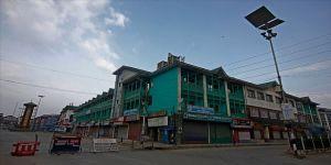 Cammu Keşmir'de kısıtlamalar sürüyor