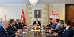 KKTC Cumhurbaşkanı Akıncı siyasi parti başkanlarıyla görüştü