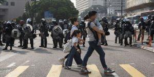 Hong Kong protestoların gölgesinde yerel seçim için sandık başına gidiyor