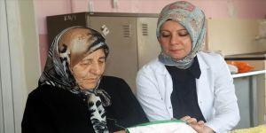 Halk eğitim merkezinin 84 yaşındaki öğrencisi: Nazmiye nine