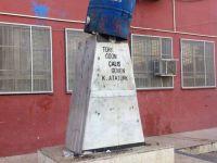 Adana'da Atatürk büstüne varil konuldu