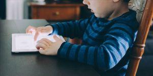 Dijital nesnelerle uzun süre geçiren çocuklarda obezite tehlikesi