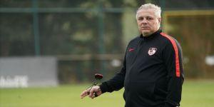 Gaziantep Futbol Kulübü Teknik Direktörü Sumudica: Kimse 16 puan aldığımıza inanamıyor