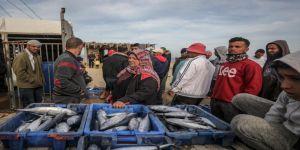 Gazze'deki balık pazarında yıllardır kadın sesi yankılanıyor