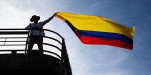 Kolombiya'da hükümetin diyalog masasına genel grevi örgütleyenler de katılacak