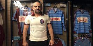 Trabzonspor aşkı evde 'müze' kurdurdu