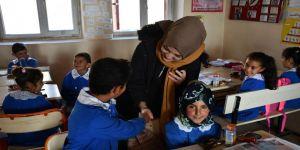 Ağrı'da köy okullarını eş zamanlı onarmak için seferber oldular